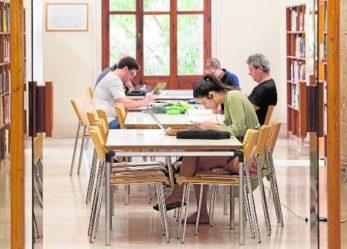 La falta de personal obliga a siete bibliotecas de la ciudad de Valencia a cerrar por las tardes