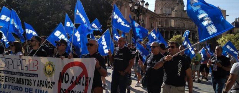 El Constitucional reabre la polémica sobre la contratación de interinos en la Policía Local