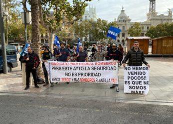 Los Bomberos vuelven a protestar en la plaza del Ayuntamiento